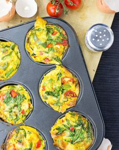 Healthy, Low Carb Egg Breakfast Muffins #vegetarian #muffin   hurrythefoodup.com
