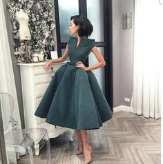 Source by dalilahdelarge Dresses classy Modest Dresses, Elegant Dresses, Pretty Dresses, Vintage Dresses, Short Dresses, Prom Dresses, Classy Dress, Classy Outfits, Beautiful Outfits