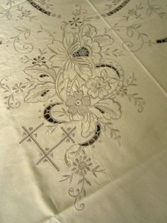 SOLD  Vintage Linen Tablecloth  Vintage LInens  by JewelsOfHighElegance, $12.00