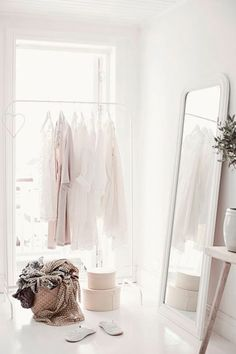 all white interior design white on white spaces home house My New Room, My Room, Ideas De Closets, Closet Ideas, Wardrobe Ideas, Home Bedroom, Bedroom Decor, Bedrooms, Light Bedroom