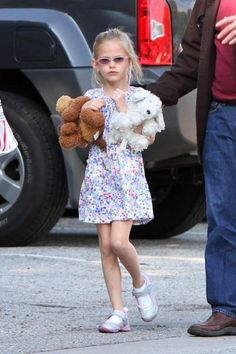 Violet Affleck is one of the cutest celebrity kids. Love her.