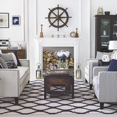 Casual Coastal Living Room Decor Ideas with a Beach Vibe from House to Home Nautical Interior, Nautical Home, Nautical Style, Coastal Interior, Nautical Stripes, Coastal Style, Coastal Decor, Coastal Entryway, Coastal Rugs