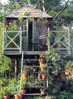 elevated studio or guest house - JP, this would be a nice addition to the backyard, don't you think? ;-)