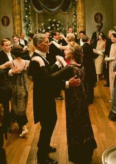 Debutante Ball - Lord Merton and Isobel Crawley - Season IV Watch Downton Abbey, Downton Abbey Fashion, Verona, Yorkshire, Penelope Wilton, Masterpiece Theater, Gone With The Wind, Period Dramas, Behind The Scenes