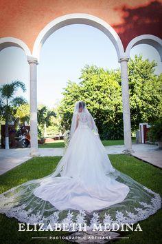 ELIZABETH-MEDINA-PHOTOGRAPHER-MERIDA Wedding at Hacienda San Diego Cutz