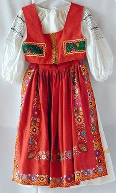 Kroje, ornáty, liturgické odevy, PARTA Detva My Heritage, Little Ones, Dress Up, Traditional, Portugal, Symbols, Collection, Patterns, Design