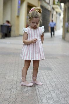 Baby Dress,Dusty Pink Linen Dress,Summer children's dress,Toddler Girls Dress,sleeves wings pinafor Source by etsy Little Girl Outfits, Little Girl Fashion, Toddler Girl Outfits, Toddler Dress, Fashion Kids, Toddler Girls, Baby Girls, Toddler Fashion, Toddler Girl Easter Outfit