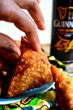 Cheesy Guinness Beef Samosas Armenian Recipes, Irish Recipes, Russian Recipes, Kenyan Recipes, Armenian Food, Mandazi Recipe, Samosa Recipe, A Food, Good Food