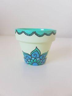 Hand Painted Flower Pot - Green Mandala - Various Sizes/Saucers Available Painted Plant Pots, Painted Flower Pots, Painted Pebbles, Hand Painted, Wall Painting Decor, Pottery Painting, Flower Pot Art, Terracotta Flower Pots, Diy Shops