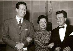 Aníbal Cufré y Juan Carlos Mareco Pinocho, en RADIO SPLENDID, Buenos Aires, década del 50.