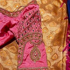 Handmade Green and gold Paisley Maggam design work saree Saree Blouse Designs, Blouse Patterns, Diya Designs, Designer Silk Sarees, Work Sarees, Casual Saree, Pure Silk Sarees, Beautiful Blouses, Pink Silk