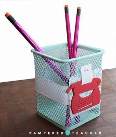 Easy Teacher Gift Idea | TodaysCreativeBlog.net | teacher pencil holder craft from Pampered Teacher