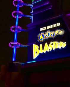Paging Star Command! #buzzlightyear #astroblasters #tomorrowland #Disney #disnerd #disneyig #disneypic #disneyland #disneyland60 #diamondcelebration #instadisney #disneyigers #disneygram #disneygramers #disneypictures #disneyphoto #disneyparks by theladydisney