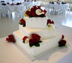 black and red wedding cakes White Square Wedding Cakes, Large Wedding Cakes, 4 Tier Wedding Cake, Wedding Cake Fresh Flowers, Cool Wedding Cakes, Beautiful Wedding Cakes, Wedding Cake Designs, Beautiful Cakes, White Cakes
