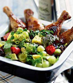 Tulinen broilerisalaatti - Hot Chicken Salad