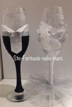 Bride And Groom Glasses, Wedding Wine Glasses, Diy Wine Glasses, Decorated Wine Glasses, Wedding Flutes, Wedding Bottles, Bride Wine Glass, Wine Glass Candle Holder, Wine Bottle Crafts