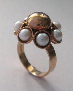 Elis Kauppi for Kupittaan Kulta, vintage 14k gold and pearls design ring, 1969.