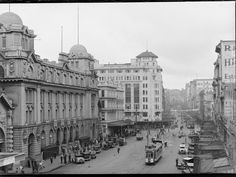Central Auckland Post Office Auckland 1920's Old Images, Old Photos, Post Office, Auckland, When Us, Kiwi, New Zealand, Novels, Louvre
