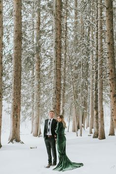 When Colby and Kate arrived to our location on this snowy day, we weren't quite sure what to expect. Winter Engagement Pictures, Mountain Engagement Photos, Country Engagement, Engagement Photo Outfits, Engagement Shoots, Wedding Pictures, Wedding Engagement, Winter Engagement Photography, Wedding Ideas