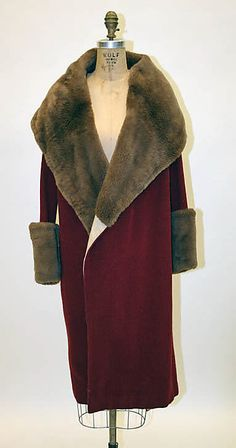 Coat Edward Molyneux (French (born England), London Monte Carlo) Date: Culture: French Medium: wool, fur Dimensions: [no dimensions available] Credit Line: Gift of Olivia Constable, 1974 Accession Number: 30s Fashion, Art Deco Fashion, Fashion History, Vintage Fashion, 1920s Fashion Dresses, Louise Brooks, Vintage Coat, Mode Vintage, Historical Costume