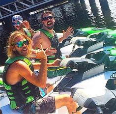 Dave Grohl and Taylor Hawkins on jet skis, Gold Coast Australia Feb 26 2015