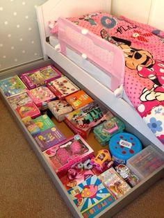 ideas for toddler closet organization little girls toy storage Toddler Closet Organization, Kids Bedroom Organization, Toy Organization, Organizing Toys, Kids Storage, Girls Room Storage, Living Room Toy Storage, Creative Toy Storage, Lego Storage