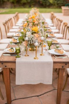 La Tavola Fine Linen Rental: Tuscany Natural Table Runners with Nuovo Peach Napkins | Photography: Anna J Photography, Event Planning: Alegria by Design, Florals: Anna Le Pley Taylor, Rentals: Classic Party Rentals, Vintage Rentals: Otis & Pearl, Venue: Firestone Winery