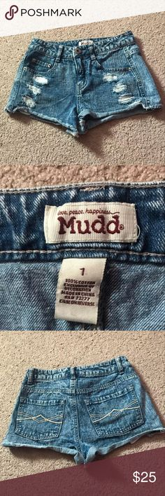 Mudd Distressed Denim Shorts Size 1 Denim shorts by Mudd. Perfect condition and super cute and flattering on. Mudd Shorts Jean Shorts