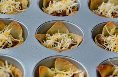Ditch the forks in favor of your fingers with this easy recipe for crispy Taco Salad Cups topped with guacamole, salsa and sour cream. Best Party Appetizers, Finger Food Appetizers, Appetizer Recipes, Halloween Appetizers, Mexican Food Recipes, Beef Recipes, Cooking Recipes, Recipies, Cooking Ideas