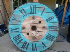 If you like pallet signs, you'll love painting on spools.