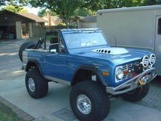 Early Ford Bronco For Sale 7 Old Ford Bronco, Ford Bronco For Sale, Bronco Truck, Early Bronco, Jeep Truck, Cool Trucks, Pickup Trucks, Classic Bronco, Classic Ford Broncos