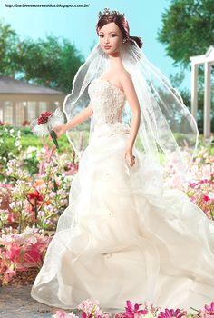Barbie E Seus Vestidos: 2006 - Romance™ Barbie® Doll