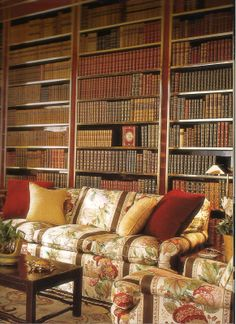 Albert Hadley. Brunschwig & Fils's La Portugaise print covers the sofa. The antique Bessarabian rug has a very grand, wide border. 19th century Bessarabian rugs were made to order for Russian royalty.