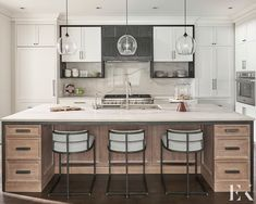 """Elizabeth Krueger Design on Instagram: """"This Highland Park kitchen was the metaphorical caterpillar to butterfly metamorphosis! (Shoutout to elementary science classes coming in…"""" Living Room Kitchen, Kitchen Dining, Marble Wood, Park Homes, Modern Interior Design, Interior Architecture, Interior Decorating, Butterfly Metamorphosis, Furniture"""