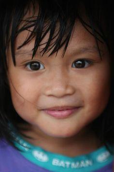 Brunei #portraits #tailoredforeducation Precious Children, Beautiful Children, Beautiful People, Happy Children, Kids Around The World, People Of The World, Martial, Beautiful Brown Eyes, Thinking Day