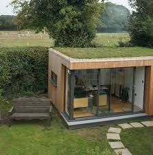 This client loves his garden room sedum roof so much he smiles every day. This client loves his garden room sedum roof so much he smiles every day. Outdoor Office, Backyard Office, Backyard Studio, Garden Office, Sedum Roof, Garden Pods, Ferns Garden, Casas Containers, Garden Buildings