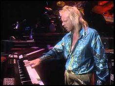 Anderson Bruford Wakeman Howe - Heart Of The Sunrise - Live 1989 (HQ) Yes Music, Music Songs, Bill Bruford, Chris Squire, Steve Howe, Rick Wakeman, Roger Dean, Reggae, Jazz