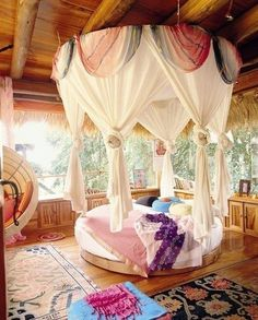 Gypsy inspired circle bed surrounded by windows. Cute for a little girls room WOW. Cute for MY room :) Dream Rooms, Dream Bedroom, Gypsy Bedroom, Girls Bedroom, Summer Bedroom, Bedroom Romantic, Canopy Bedroom, Trendy Bedroom, Bali Bedroom