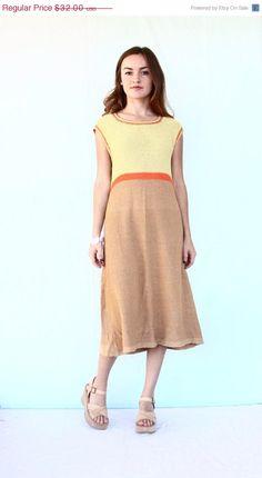 30% OFF SALE 1970s knit shift dress / boho by aLaPlageVintage