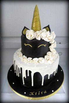 Unicorn cake - Cake by Sugar & Spice by NA - Girlie Cakes - Pastel de Tortilla Black Unicorn Cake, Unicorn Cakes, Mini Cakes, Cupcake Cakes, Kreative Desserts, Cute Desserts, Drip Cakes, Savoury Cake, Cute Cakes