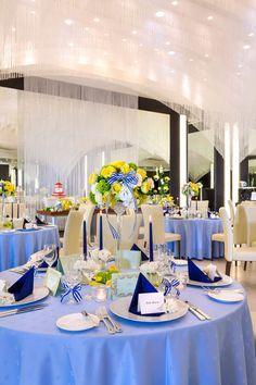 【画像集】クロスと装花はどう組み合わせる?クロスの色別/結婚式・披露宴の会場・テーブルコーディネート - NAVER まとめ Royal Blue And Gold, Blue And Silver, Blue Wedding, Wedding Ceremony, Table Settings, Table Decorations, Flowers, Home Decor, Happy