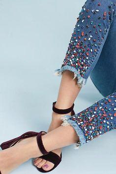 Designer Clothes, Shoes & Bags for Women New Fashion Trends, Dope Fashion, Denim Fashion, Fashion Pants, Fashion Dresses, Womens Fashion, Jeans Refashion, Fashion Vocabulary, Fashionable Snow Boots