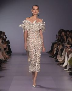 Georges Hobeika Look Spring Summer 2020 Haute Couture Collection. - Embellished Off Shoulder Sheath Evening Silver Midi Dress. Haute Couture Gowns, Haute Couture Fashion, Couture Dresses, Fashion Dresses, Spring Couture, Juicy Couture, Runway Fashion, High Fashion, Fashion Show