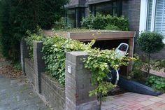 fiets in de voortuin - Google zoeken Outdoor Bike Storage, Bicycle Storage, Garden Great Ideas, Landscape Design, Garden Design, Bike Shelter, Narrow Garden, Bike Shed, Backyard Landscaping