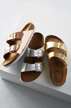 Adding a metallic twist to these classic Birkenstock sandals. Copper, gold and silver - oh my! Sock Shoes, Cute Shoes, Me Too Shoes, Shoe Boots, Ankle Boots, Shoes Sandals, Timberland Boots, Tokyo Street Fashion, Style Grunge