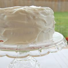 Homemade Whipped Topping aka Make Your Own Cool Whip -  I will try this with stevia and see what I can come up with.