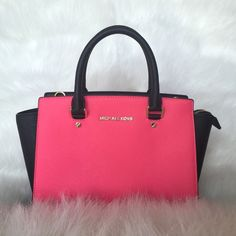 Hot pink MK bag Excellent condition. Authentic MK bag. Hot pink with gold hardware. It does not come with longer strap.  It's a great bag in like new condition.   No trades pls. Had an emergency and need the $. Michael Kors Bags