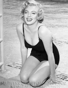 Rare Marilyn Monroe | Marilyn Monroe Poolside
