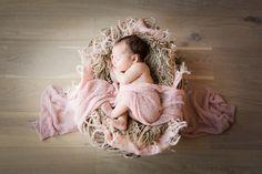 newbornfotografie_nesselande_rotterdam_babyfotografie, newborn, baby, basket