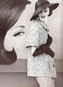 Dorothea McGowan, photo by William Klein, 1960 Vintage Vogue, Vintage Glamour, Vintage Beauty, Moda Retro, Moda Vintage, Retro Vintage, Vintage Style, Estilo Pin Up, Estilo Retro